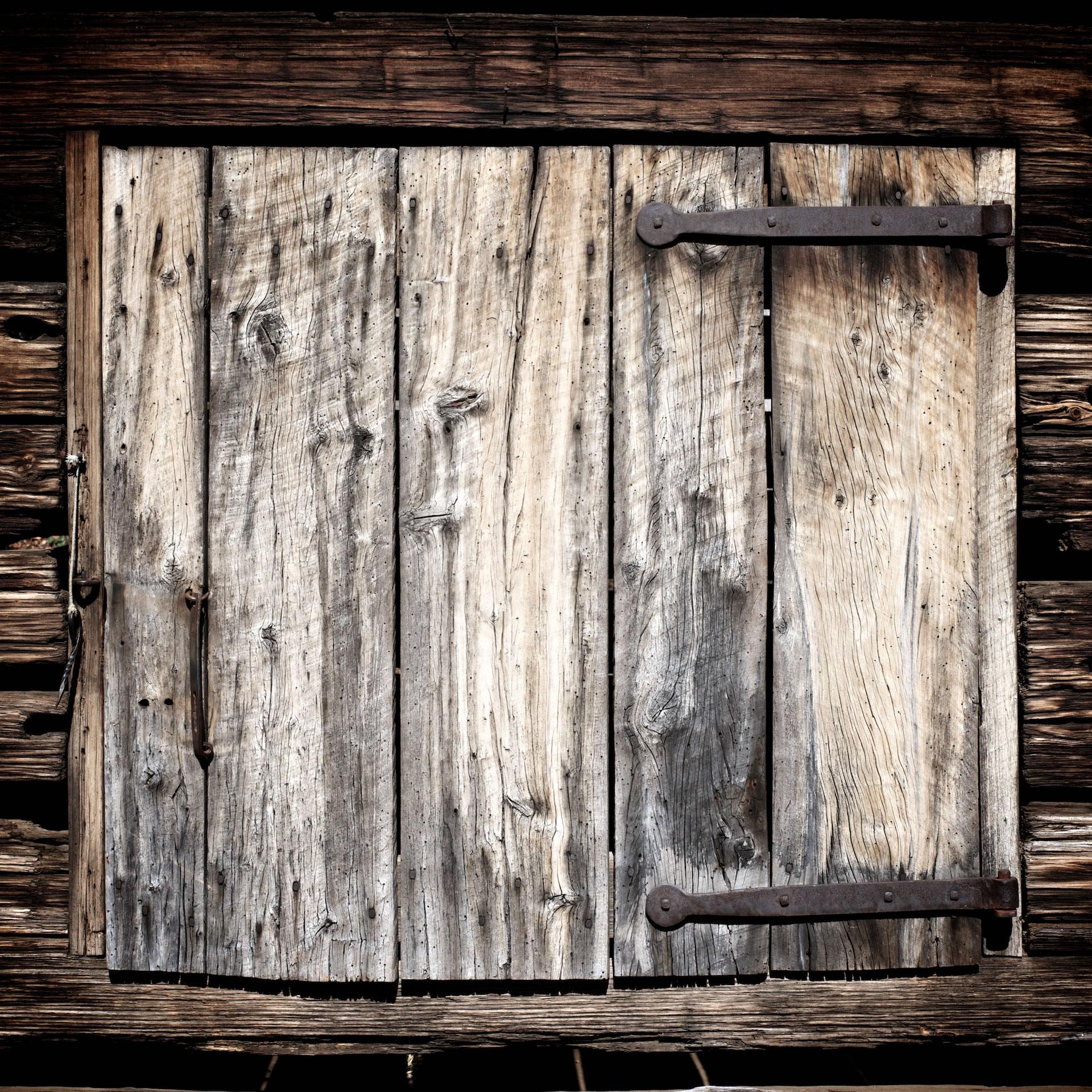 old barn door atlanta an old barn door in atlanta